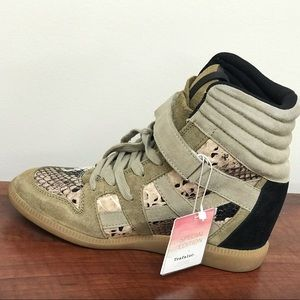 Zara Trafaluc Special Edition sneakers size 6